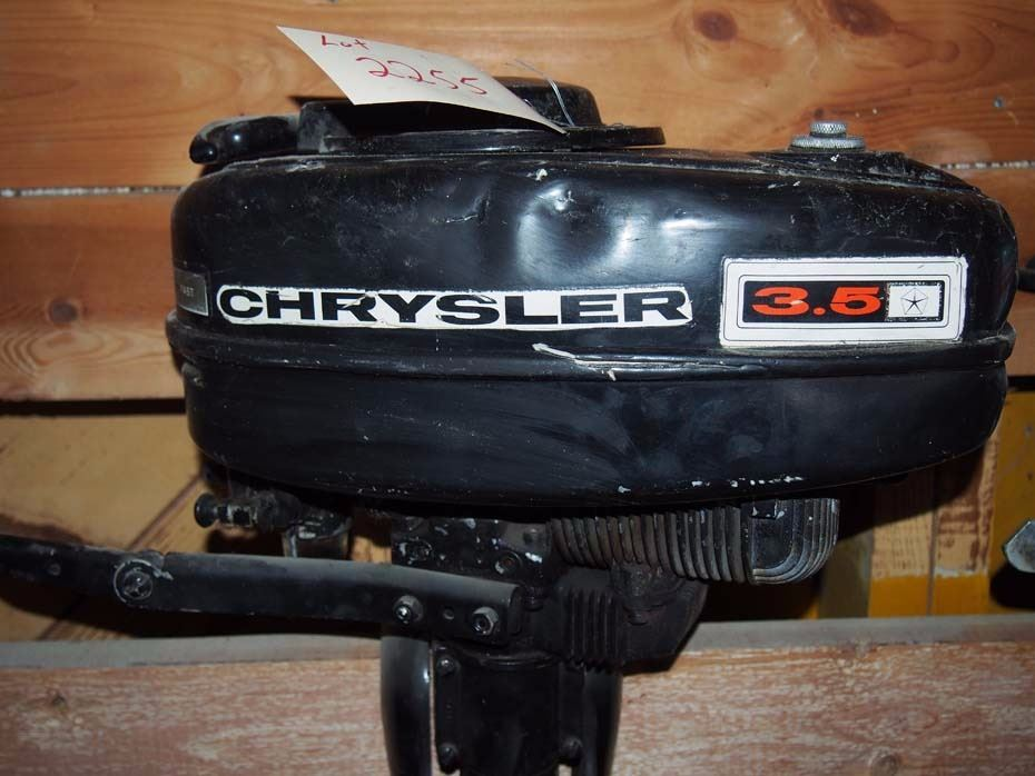 Chrysler Outboard Motor