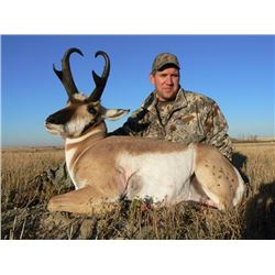 3-Day Alberta Guided Pronghorn Hunt with Silver Sage Outfitters for One (1) Hunter