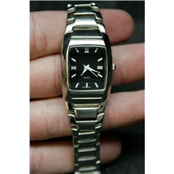 Womens Stainless Steel Quartz Movement Fashion Wrist Watch