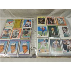 BINDER FULL ASSORTED BASEBALL PLAYER CARDS