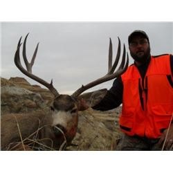 *Montana – 5 – Day - Mule Deer or Whitetail Deer Hunt for One Hunter