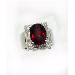 MALAYA GARNET OVAL 6.52CT,  14K W/G RING 11.00GRAM / DIAMOND RD 0.64CT