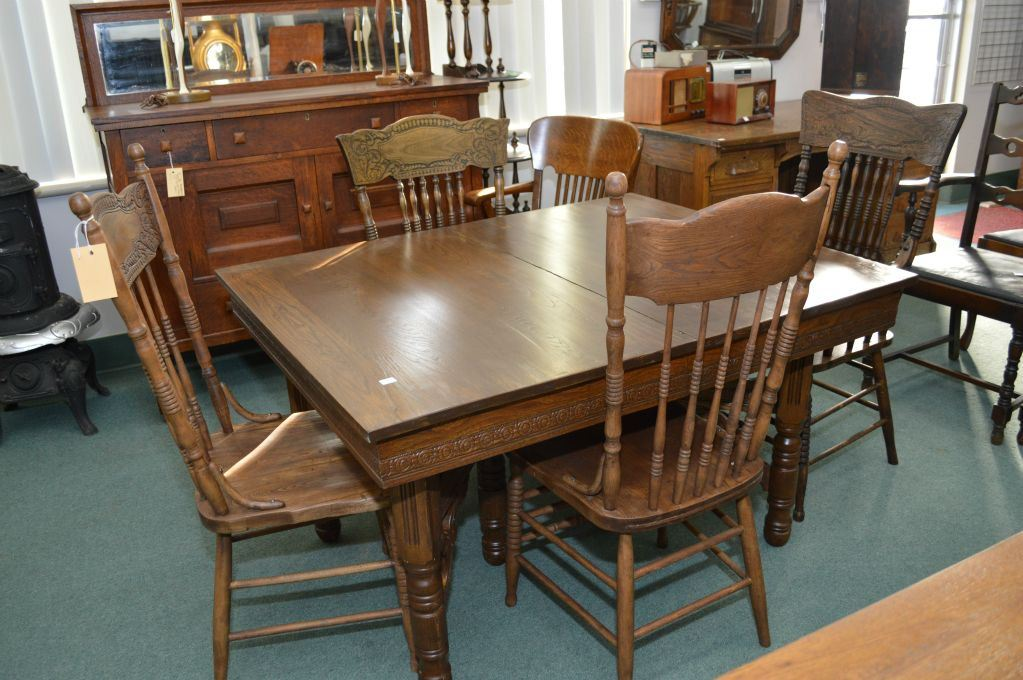 Image 1 : Antique Canadiana dining table and four mismatched press back dining  chairs - Antique Canadiana Dining Table And Four Mismatched Press Back Dining