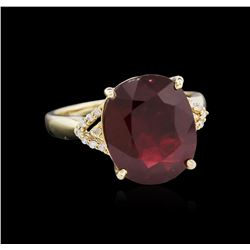 8.89ct Ruby and Diamond Ring - 14KT Yellow Gold