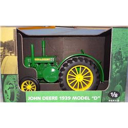 1939 JD D tractor, 1:8, Scale Models, NIB