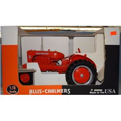 2 toys: Allis WD45 tractor, 1:8, NIB and NH 664 round baler, 1:16, Scale Models, NIB