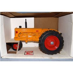 MM tractor, narrow front, 1:16, Spec Cast, NIB