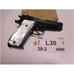 S&W ,  MODEL: 39-2  ,  CALIBER: 9MM LUGER