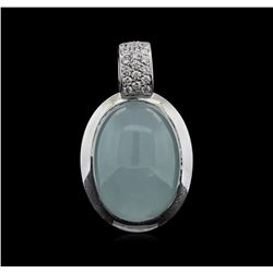24.19ct Quartz and Diamond Pendant With Chain - 18KT White Gold