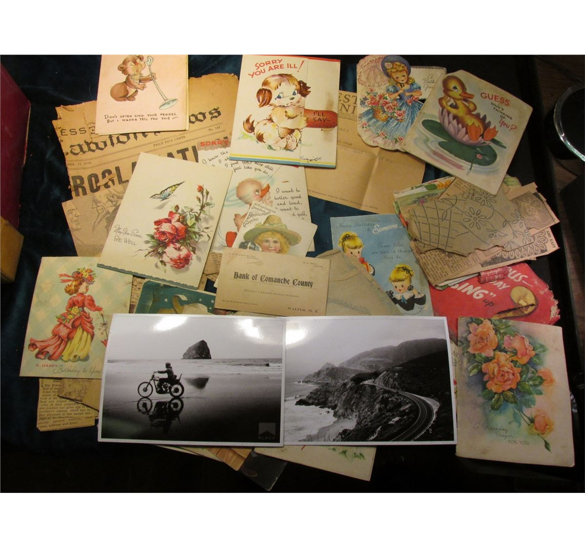 A Large Group Of Old Greeting Cards 2 Unused Marlboro Black
