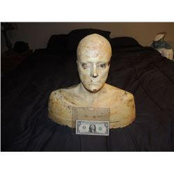 DISPLAY BUST FOR MASK WIG HAT APPLIANCES ETC