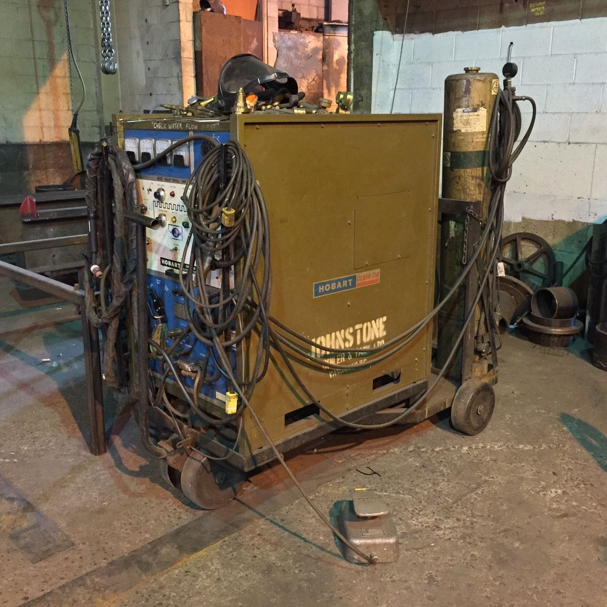 hobart cyber tig model c7 300 tig arc welder w foot controls and cables rh liveauctionworld com Old Miller TIG Hobart Cyber TIG 120
