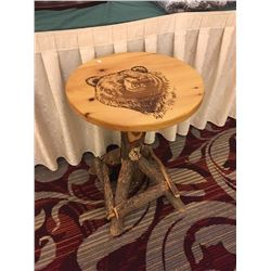 Table Sassafrass with Bear Print
