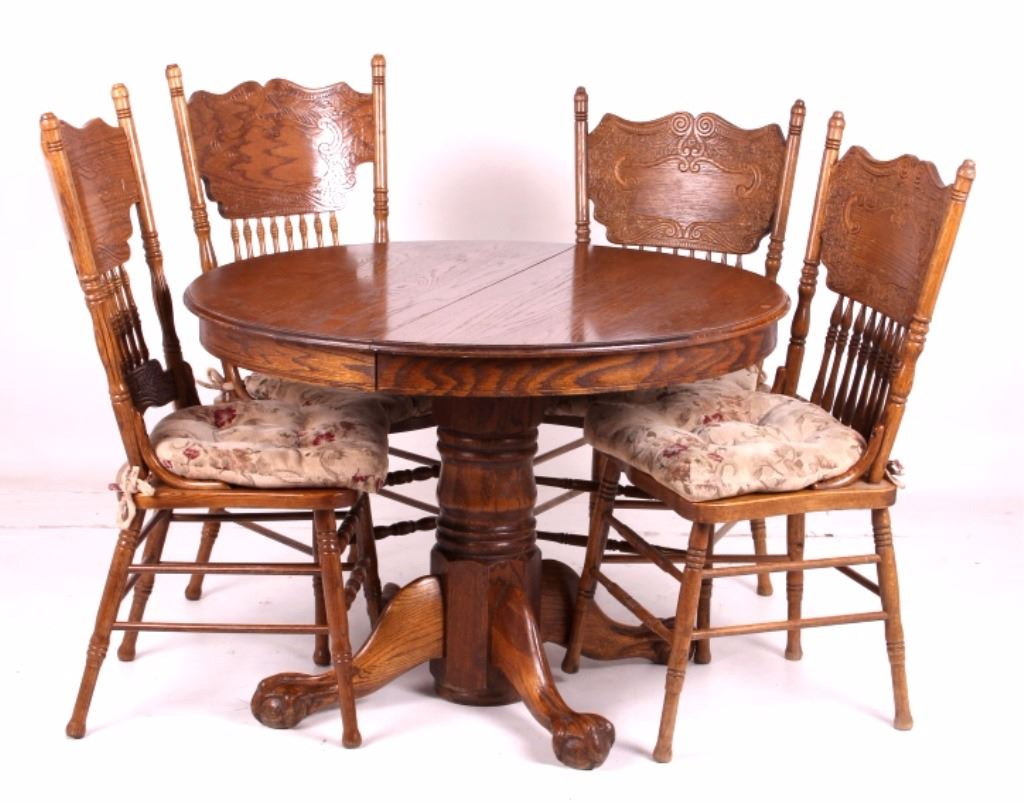 Round Oak Claw Foot Table W Pressed Back Chairs - Claw foot dining room table