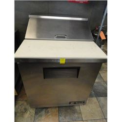 "True 24"" Refrigerated Rolling Sandwich Prep - Tested to 37deg"