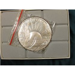 1986 Statue of Liberty   One Pound Fine Silver .999 , In original felt-lined box of issue.