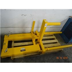 Global Forklift Attachment - Drum Positioner