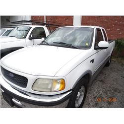 1998 Ford F150 Lariat 3-Dr. X-Cab Short Bed Pick Up