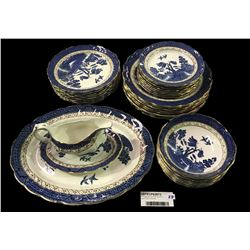 * VIntage Booths 'Real Old Willow' Eight Place Dinner Set