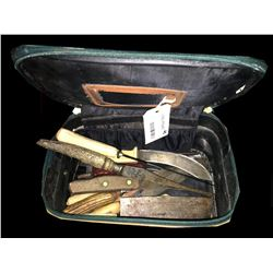 * Case Full of Vintage Knives Inc. Skinning