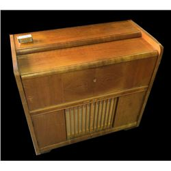 * Early Phillips Radiogram with Turntable
