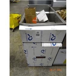 Tri Star Fryer Cabinet - No Feet - Dented
