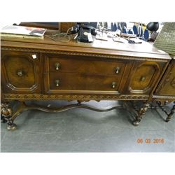 Ornately Carved Footed Oak Side Bar & Hutch