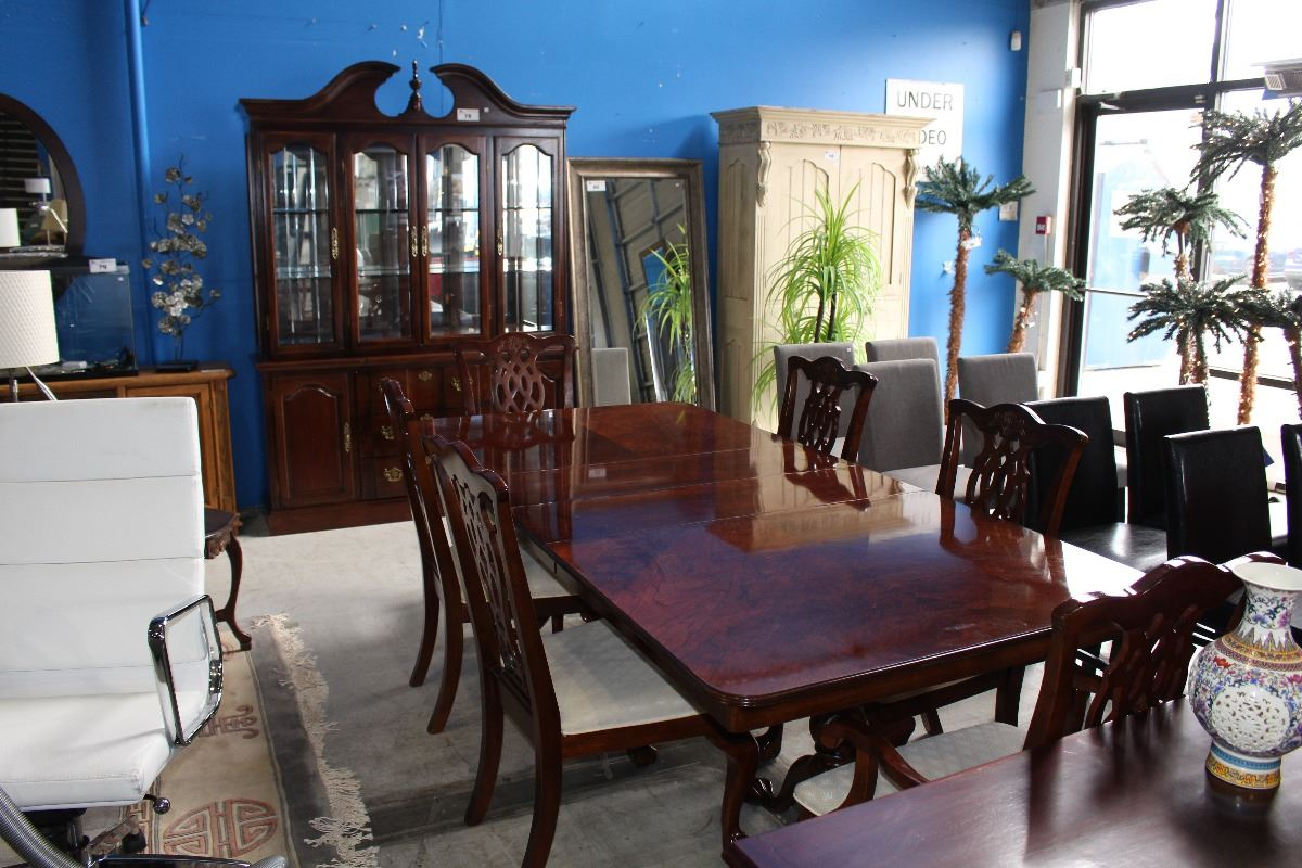 Beautiful 9pc dining room suite table with 6 chairs 2 for Beautiful dining room suites