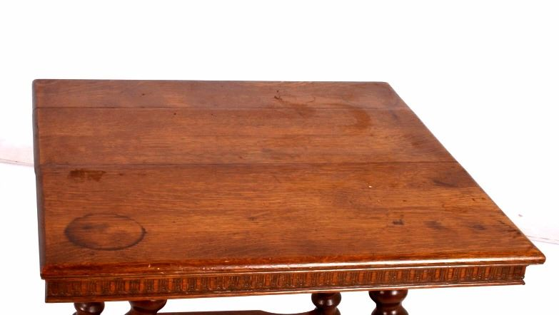 ... Image 5 : Antique Oak Glass Ball In Claw Feet Parlor Table ...