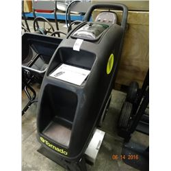 Tornado 9 Gallon Extractor