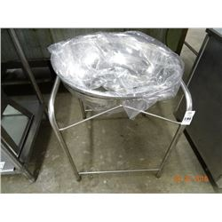 Large Mixing Bowl w/Stand