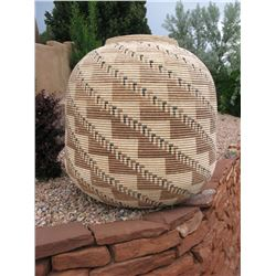 "Seri Basket, 43"" high x 44"""