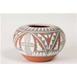"Jemez Pueblo Pot by Mary Small, 4"" x 7"""