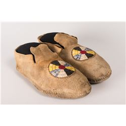 "Northern Plains Quilled Man's Moccasins, 10 ½"" long"