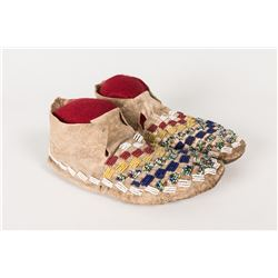 "Sioux Beaded Youth Moccasins, 9"" long"