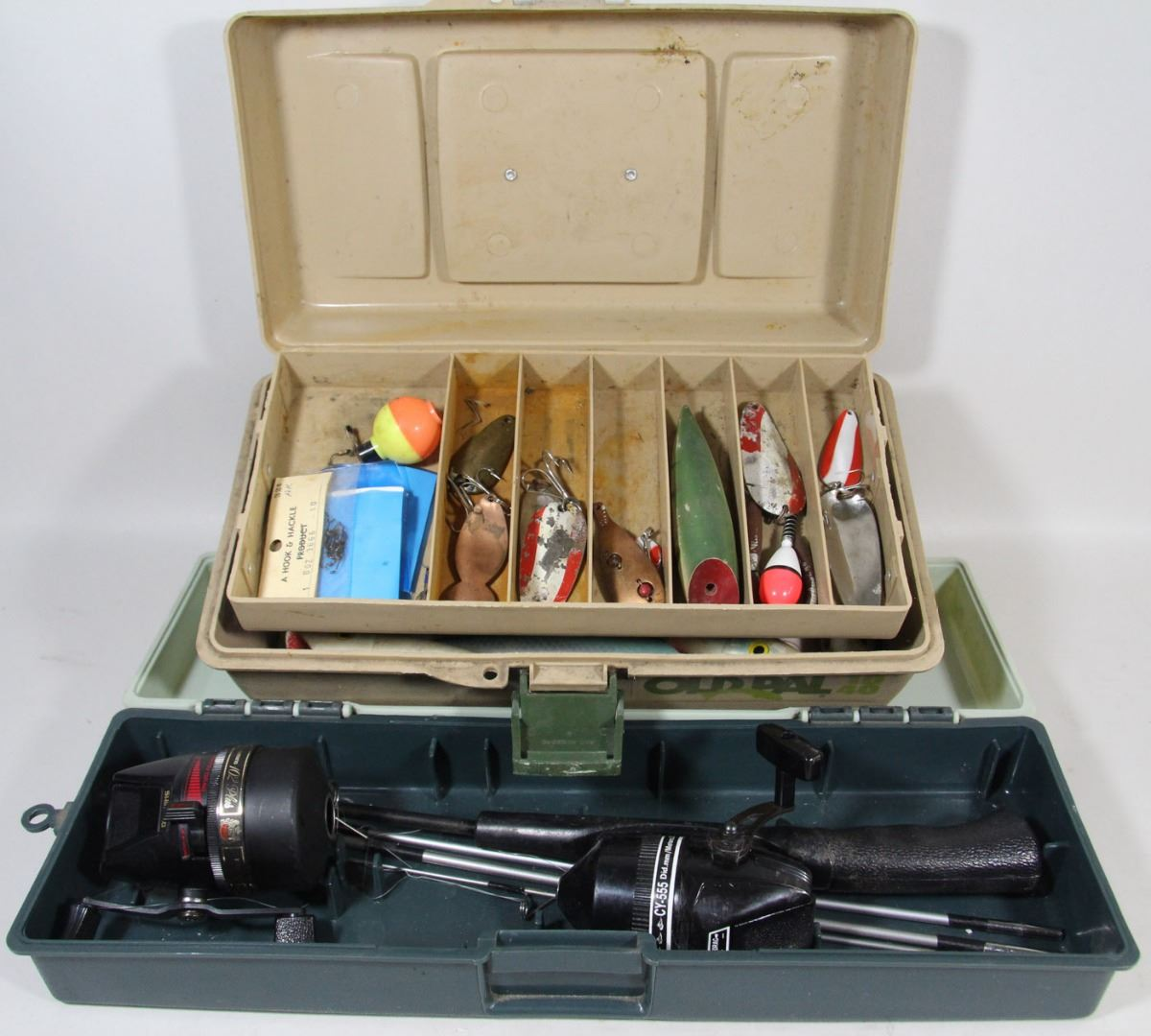 Fishing rod with tackle box