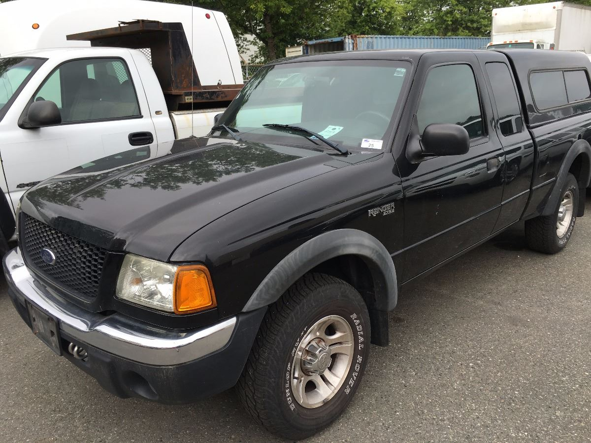 Image 1 2002 ford ranger xlt 2 door pu black