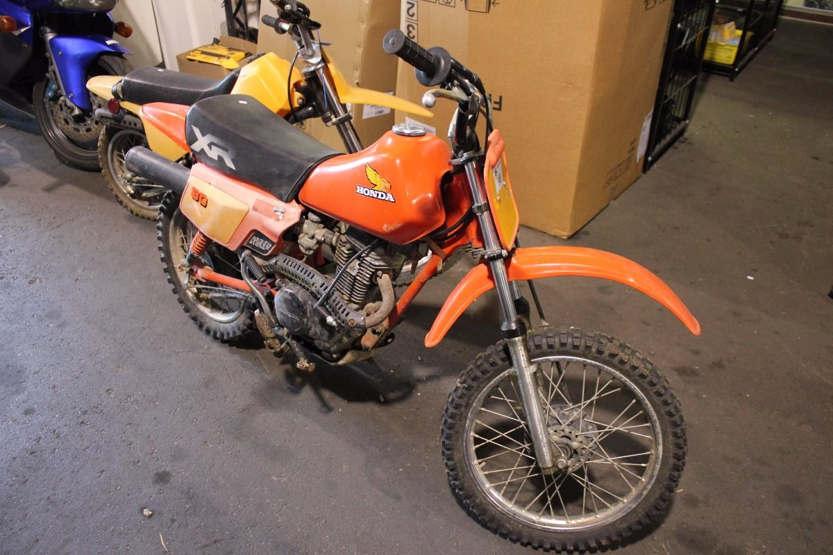 Image 1 : ORANGE HONDA 80 GAS DIRTBIKE