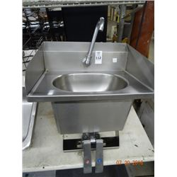 Lever Operated S/S Hand Sink