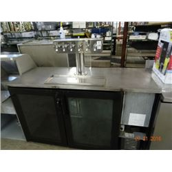 5' Victory 6 Tap Refrigerated Cooler - 48deg