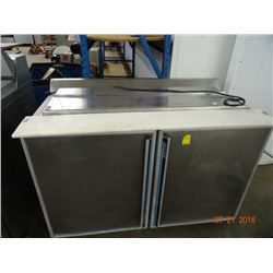 Silver King 4' 2-Door Refrigerated Sandwich Prep - Tested at 35 deg.
