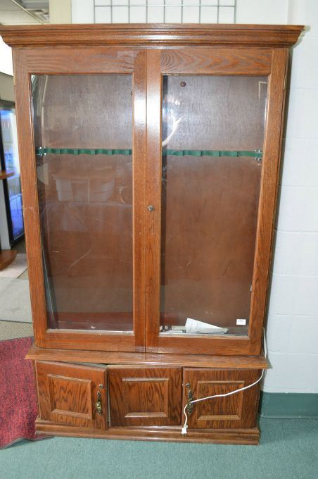 Large Wooden Floor Model Gun Cabinet Wglass Door 12 Place With