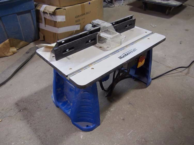 Mastercraft Router Table W