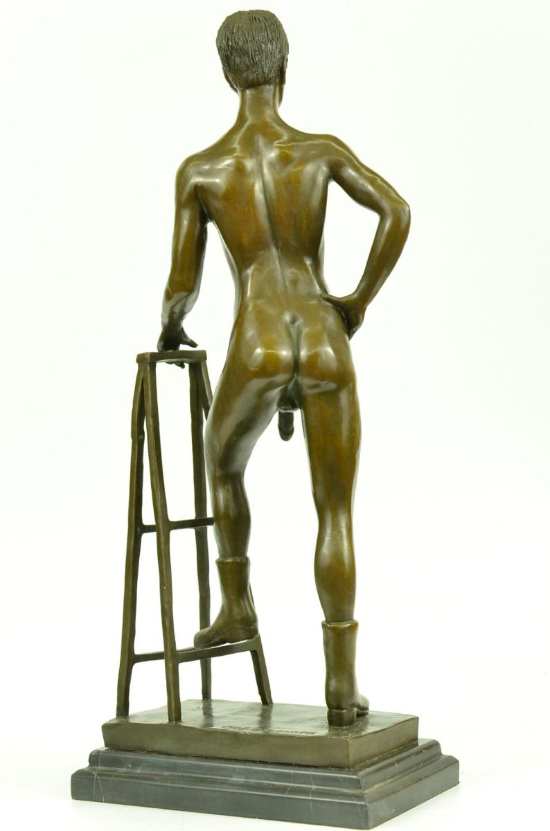 Sculpture and man bronze woman nude