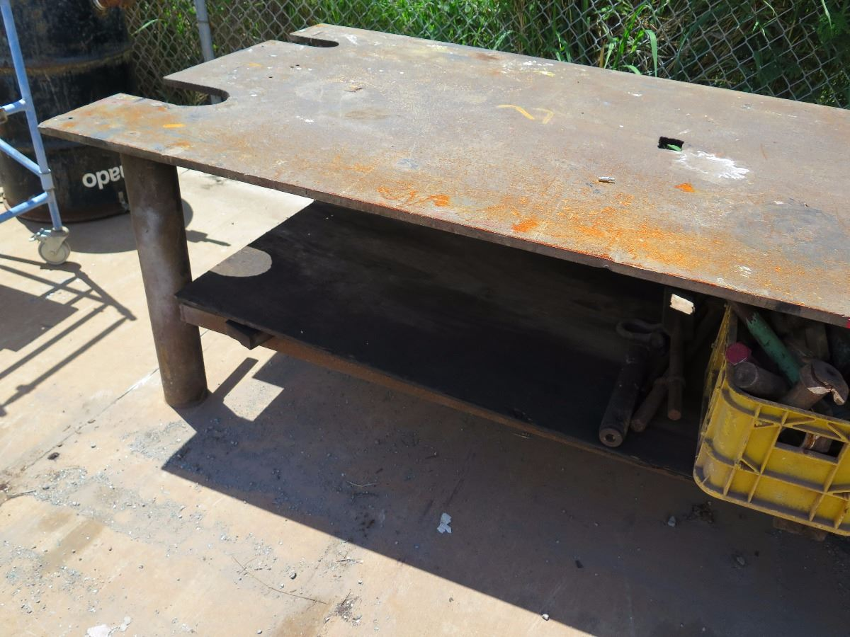 ... Image 5 : Metal Work Table   8 Ft X 4 Ft, 31 Inches Tall ...