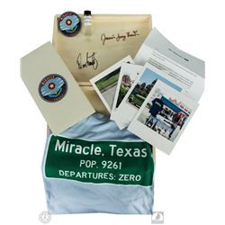 The Leftovers Miracle, Texas Press Kit Box Signed by Damon Lindelof & Jasmin Savoy Brown