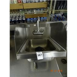 S/S Hand Sink w/Side Splash