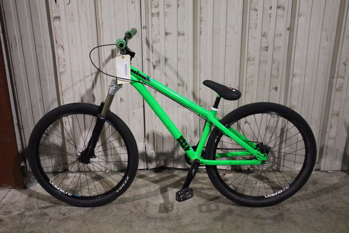 green octane single speed dirt jumping bike with front. Black Bedroom Furniture Sets. Home Design Ideas