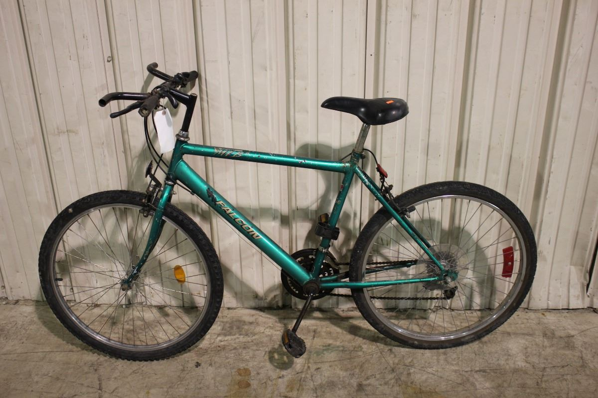 2 BIKES: GREEN FALCON MOUNTAIN BIKE AND WHITE RALEIGH MOUNTAIN BIKE - Able Auctions
