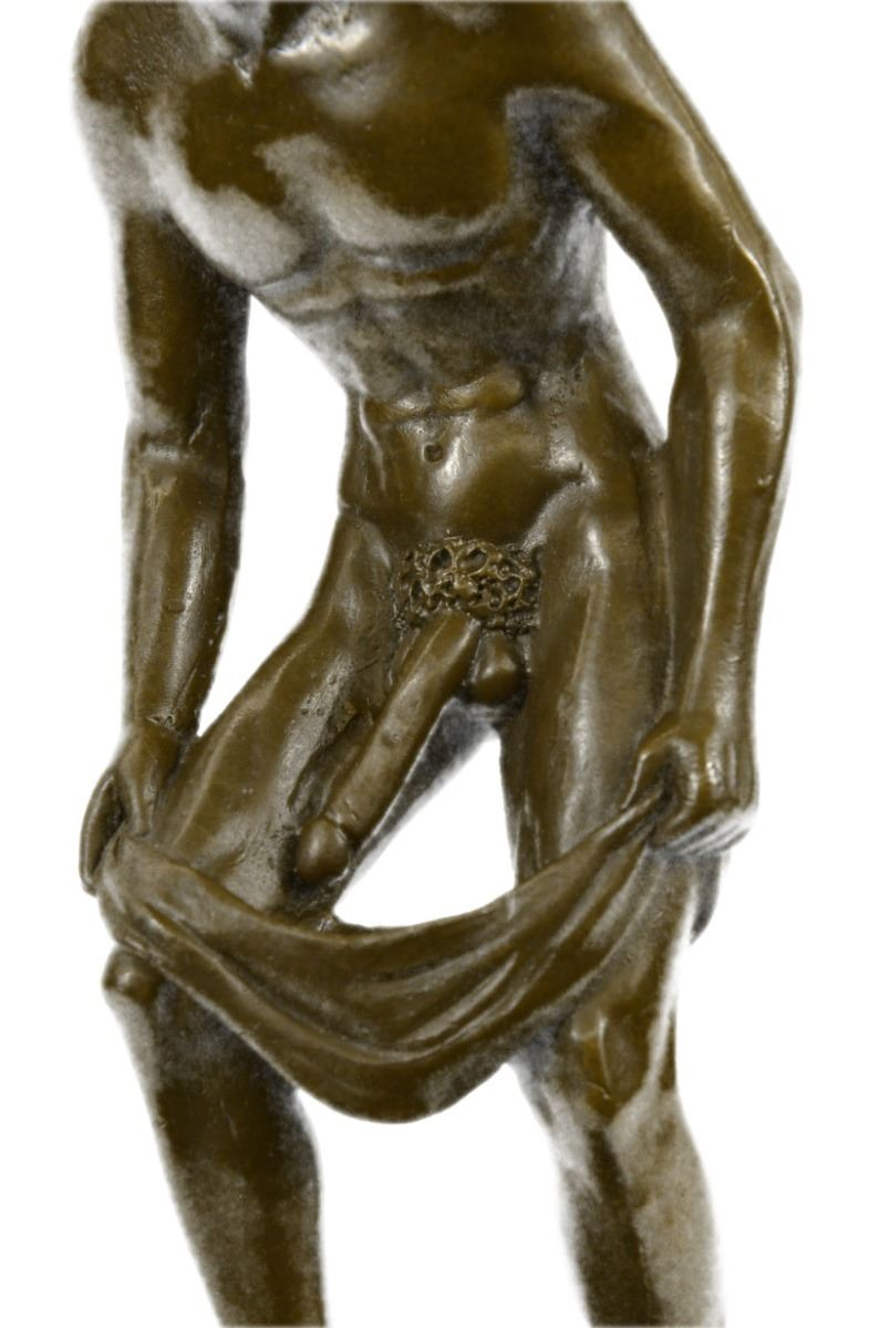 nude male sculpture